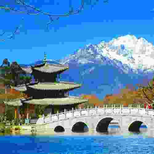 """明清寺庙壁画,就是著名的""""丽江壁画""""或""""白沙壁画""""。"""